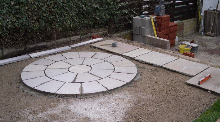 Circle Patio & Steps, Otley - 1